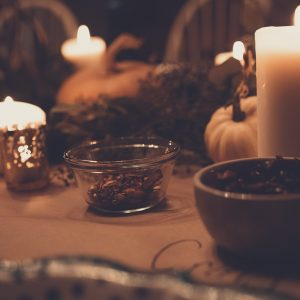 Ritual: Waning Moon and White Candle